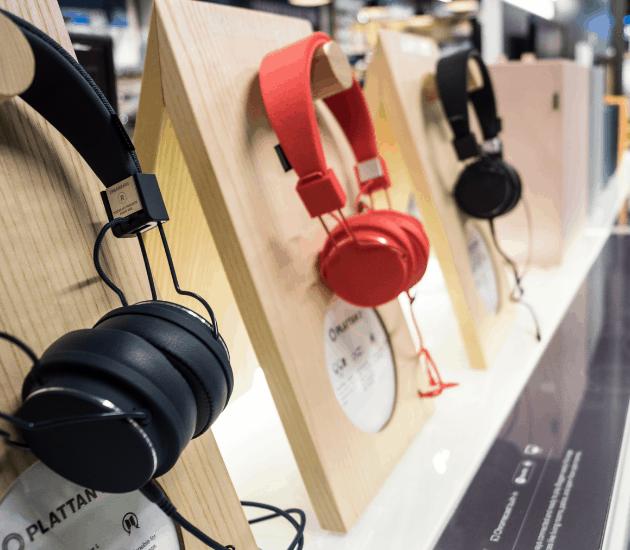 Marshall headphones in Elgiganten